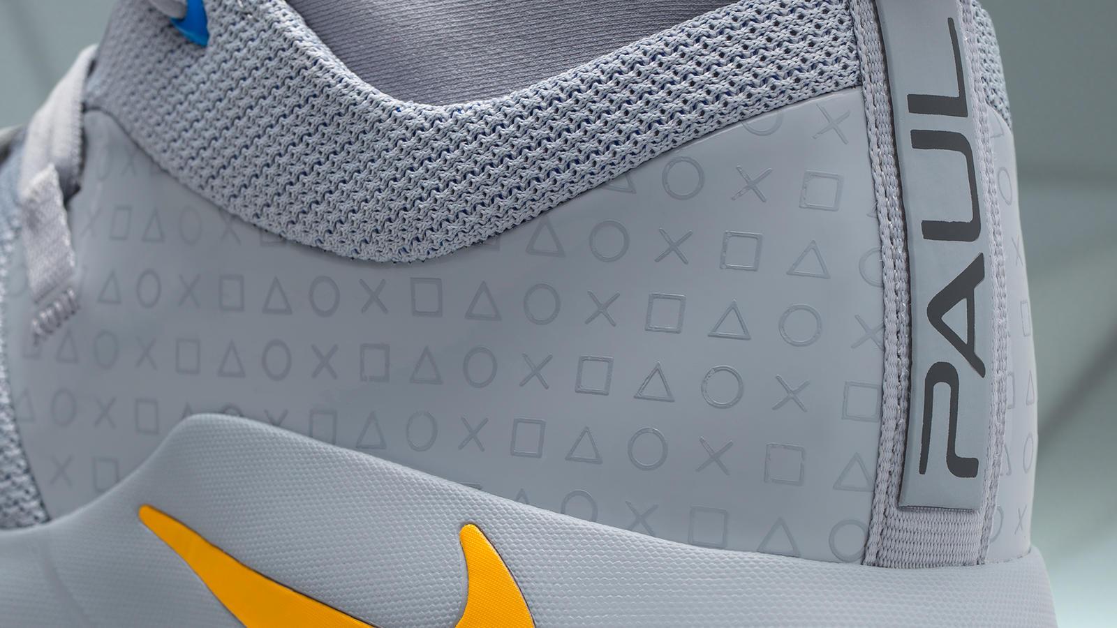 f24e1025e906 这双Nike PG 2.5 x PlayStation,Nike篮球设计师将标志性的PlayStation符号应用于该鞋款的侧面。与PG2不同的是,这双鞋运用了代表着初代游戏机的灰色并搭配舌鞋部位  ...